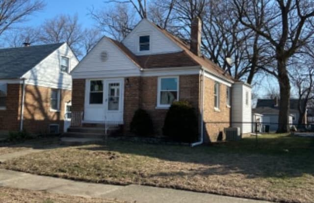 18017 S Commercial - 18017 Commercial Ave, Lansing, IL 60438