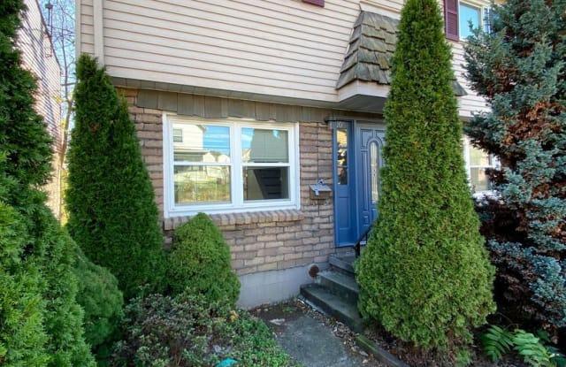 1056 Cleveland Ave - 1056 Cleveland Avenue, Brackenridge, PA 15014