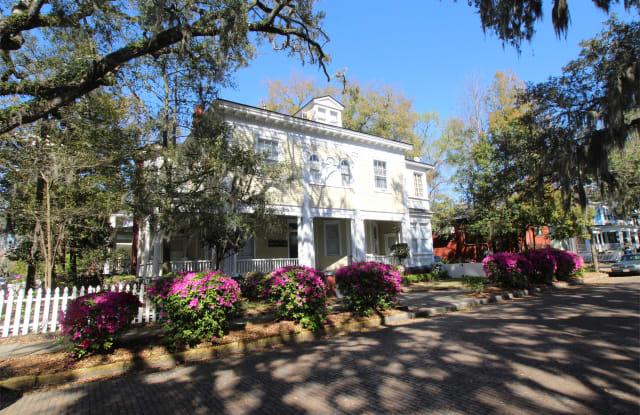 122 W. 36th St. - 1 - 122 W 36th St, Savannah, GA 31401