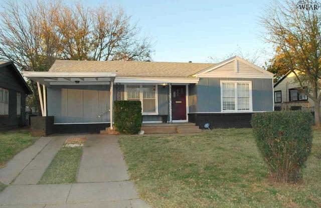 2402 WEDGEWOOD AVENUE - 2402 Wedgewood Avenue, Wichita Falls, TX 76301