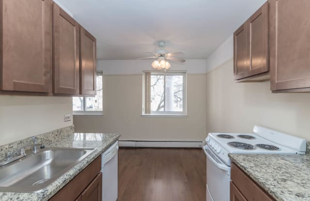 Winthrop Place - 6124 N Winthrop Ave, Chicago, IL 60660