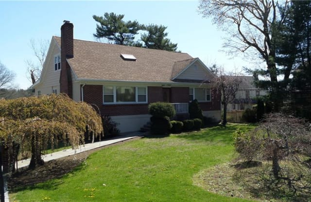 169 Old Mamaroneck Road - 169 Old Mamaroneck Road, White Plains, NY 10605