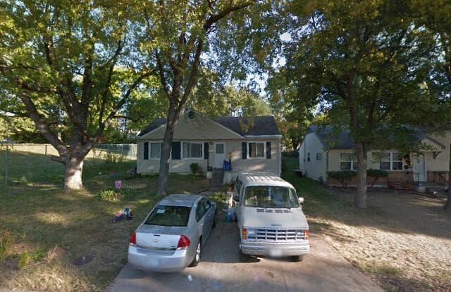 1142 E 67th St - 1142 East 67th Street, Kansas City, MO 64131