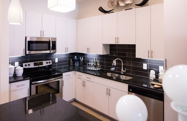 Magnolia Park Apartments - 2901 W 5th St, Fort Worth, TX 76107