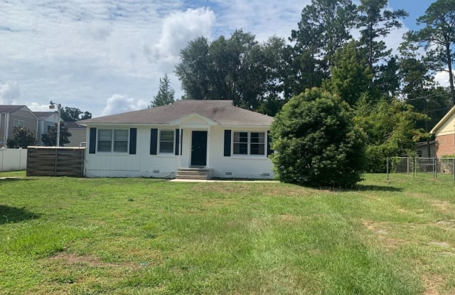206 E General Stewart Way - 206 W General Stewart Way, Hinesville, GA 31313