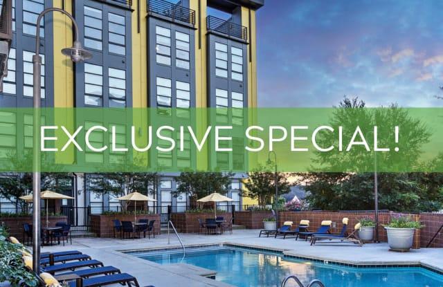 The Apartments at Quarterside - 810 E 7th St, Charlotte, NC 28202