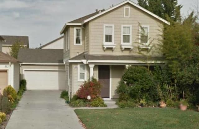 939 Oakes St - 939 Oakes Street, East Palo Alto, CA 94303