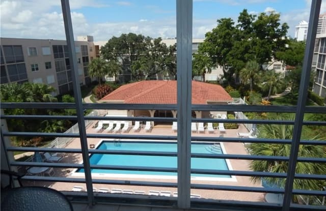 1541 S Ocean Blvd - 1541 South Ocean Boulevard, Lauderdale-by-the-Sea, FL 33062