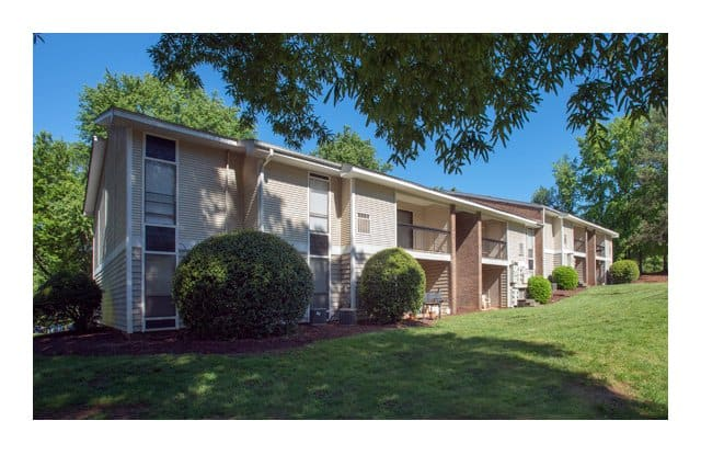 Tree Top Apartments - 1328 Steinbeck Dr, Raleigh, NC 27609