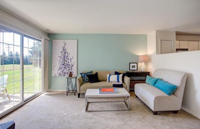 Chimney Hill Apartments - 6834 Chimney Hill Dr, Southfield, MI 48322