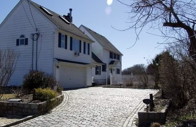 900 Rogers Rd - 900 Rogers Road, Southold, NY 11971