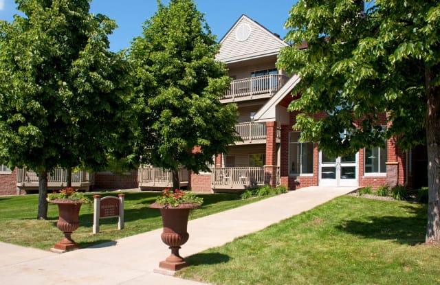 Creekside Apartments - 200 Nathan Ln N, Plymouth, MN 55441