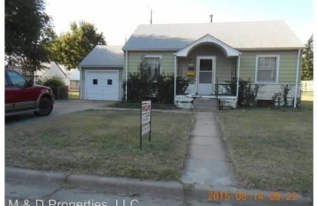 2509 Walnut Dr. - 2509 Walnut Drive, Great Bend, KS 67530