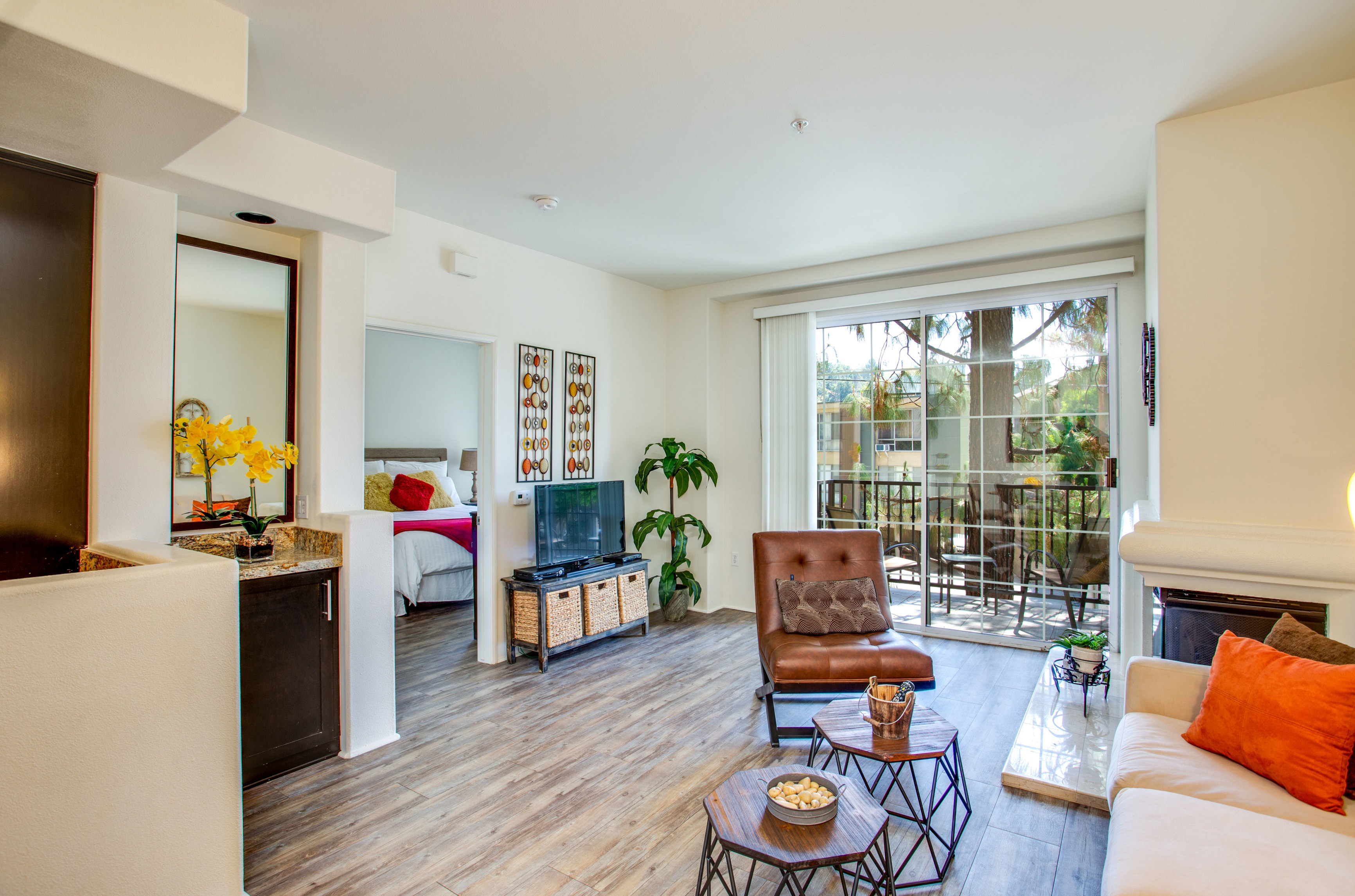 100 Best Studio Apartments in Los Angeles, CA (with pics)!