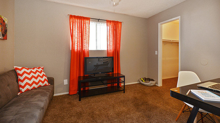 Top 17 Apartments with washer-dryer for Rent in Fresno, CA Ranch House Plans Sq Ft Washer And Dryer Room Separate on