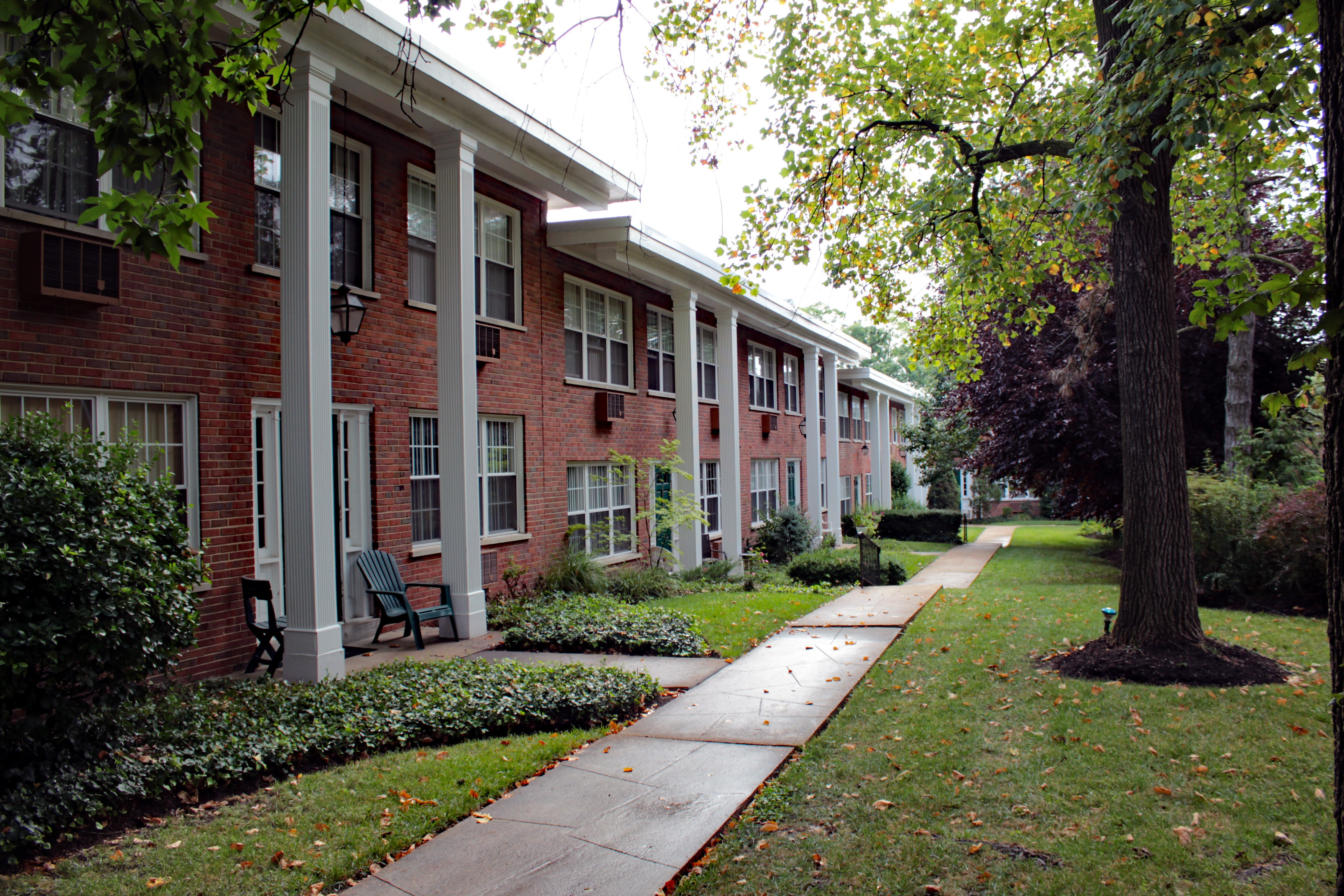 Top 107 Apartments with pool for Rent in Webster Groves, MO