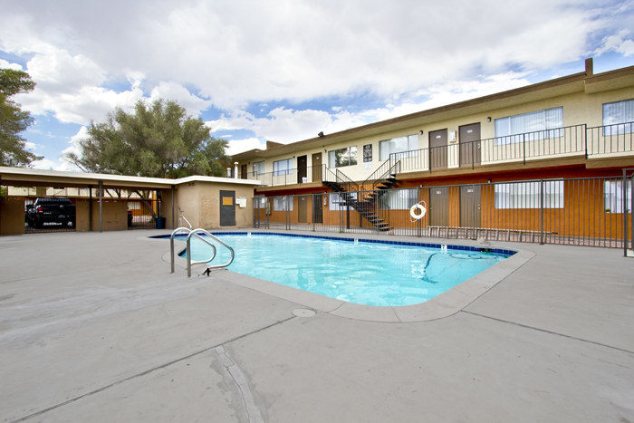 luxury apartments pool.  100 Best Apartments In Las Vegas NV with pictures