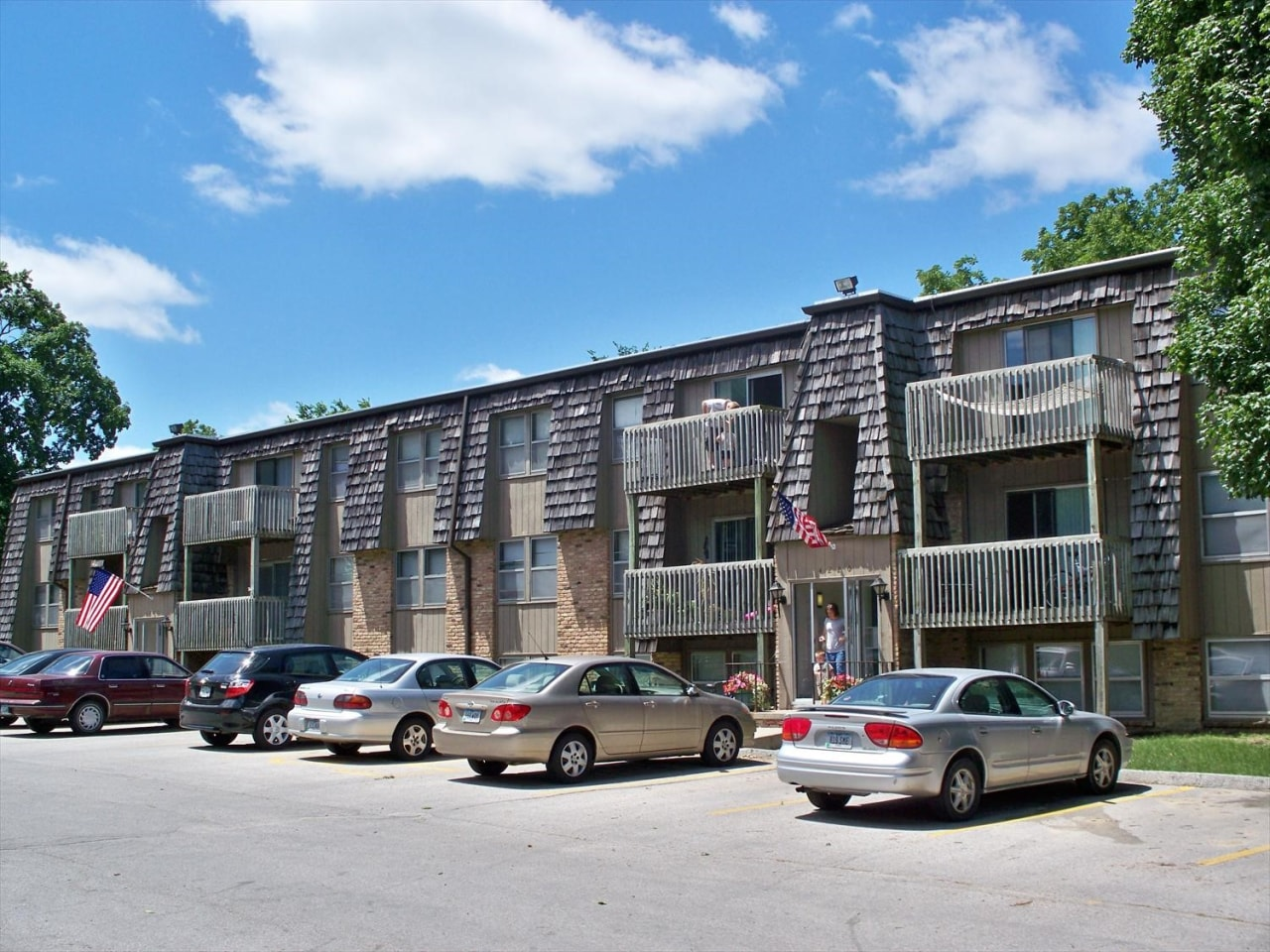 Image of The 4220 Grand Apartments at 4220 Grand Ave Des Moines IA