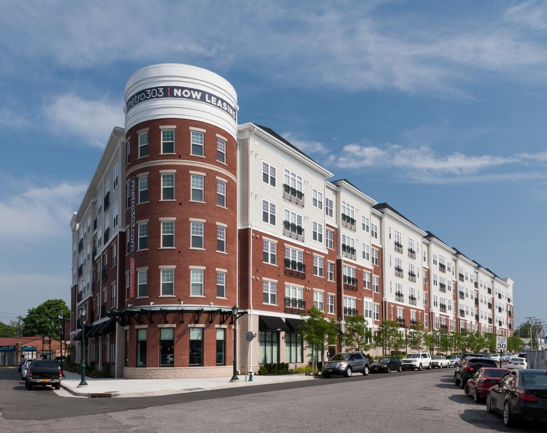 Metro 303 Apartments