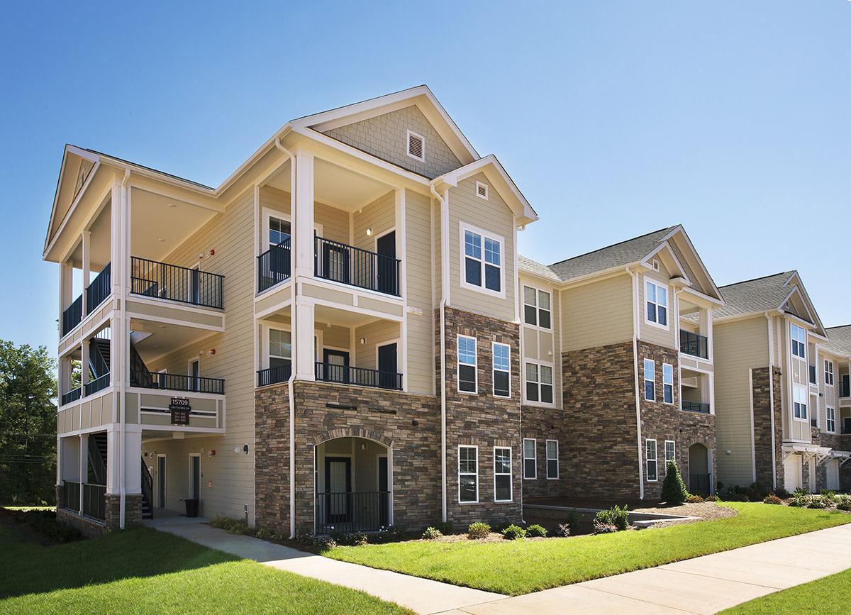 Legacy 521 Apartments