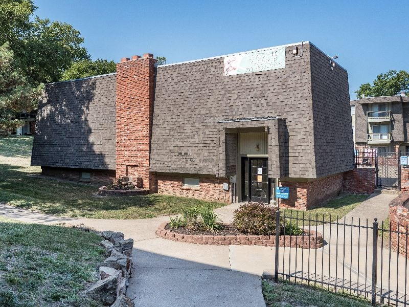 Image of The Retreat at Mission at 6200 W 51st St Mission KS