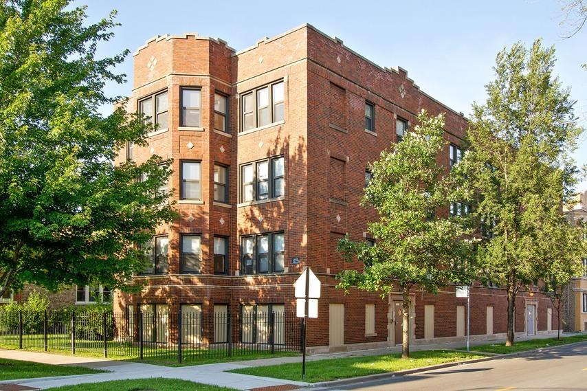 Pangea 8259 S Elizabeth Apartments
