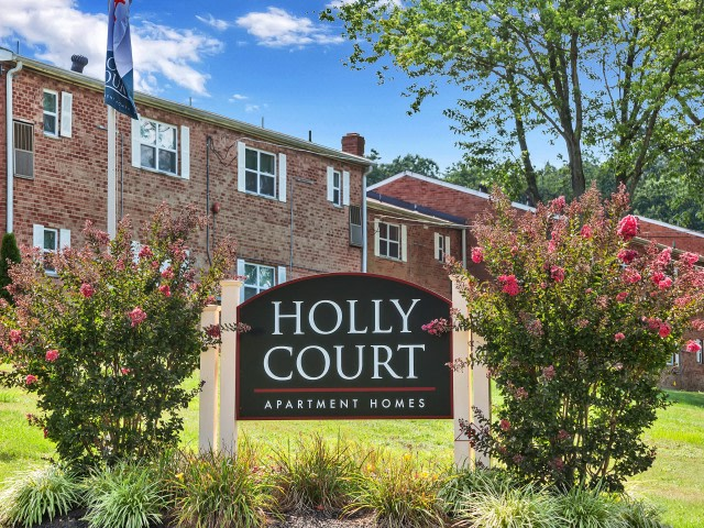 Holly Court Apartments