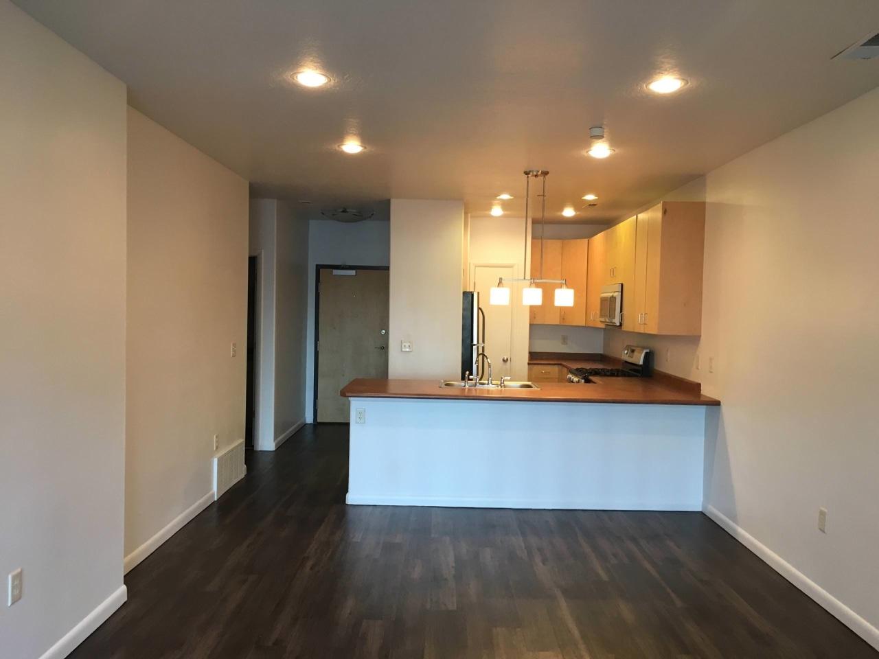 Axis at 739 Apartments