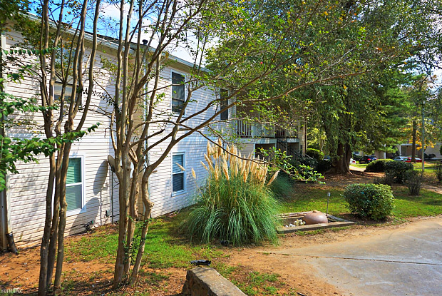 Northlake Condos - 3605 Woodbriar Circle, Tucker, GA 30084