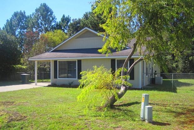 620 Hampton St - 620 Hampton Street, Hinesville, GA 31313