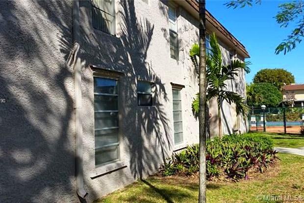 10379 N Kendall Dr #L2 - 10379 Southwest 88th Street, Kendall, FL 33176