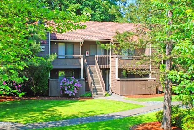 Alderwood Park - 18031 36th Ave W, Lynnwood, WA 98037