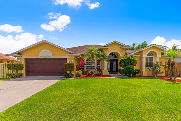 5264 NW East Delwood - 5264 NW South Delwood Dr, Port St. Lucie, FL 34986