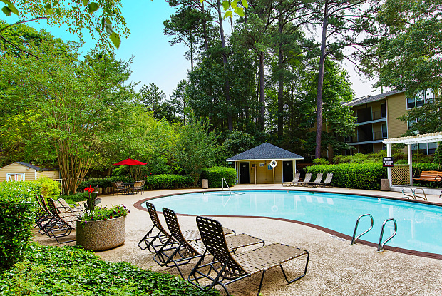 Laurel Springs - 500 Bridle Ridge Ln, Raleigh, NC 27609