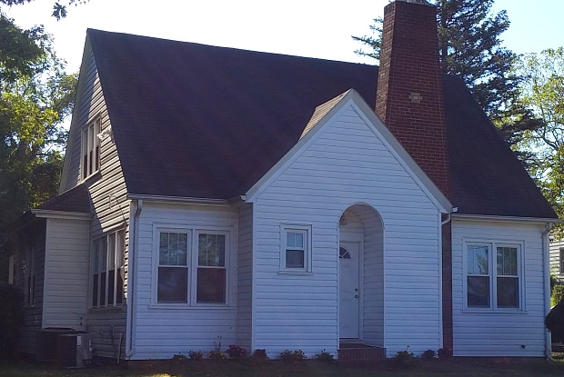 1416 North Main St - 1416 North Main Street, Blacksburg, VA 24060