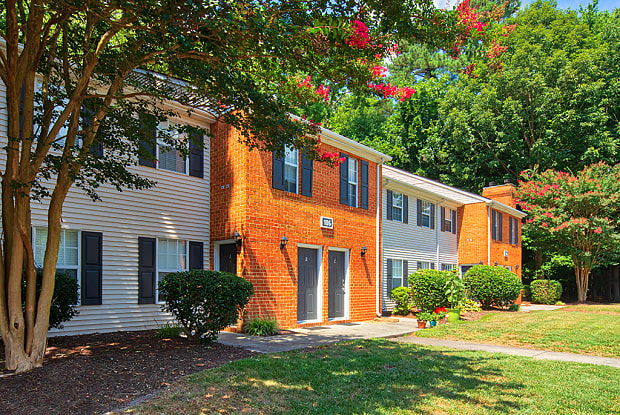 The Courts at Yorkshire Downs - 101 Little Bay Ave, Yorktown, VA 23693