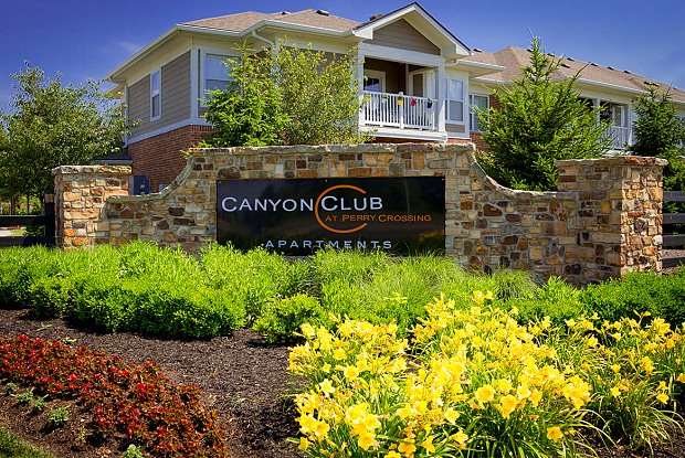 Canyon Club at Perry Crossing - 2720 Canyon Club Dr, Plainfield, IN 46168