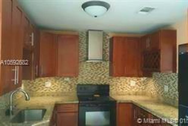 6441 SW 17th St - 6441 Southwest 17th Street, North Lauderdale, FL 33068