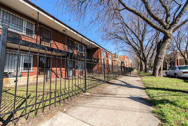 8640 S Ingleside Ave - 8640 S Ingleside Ave, Chicago, IL 60619