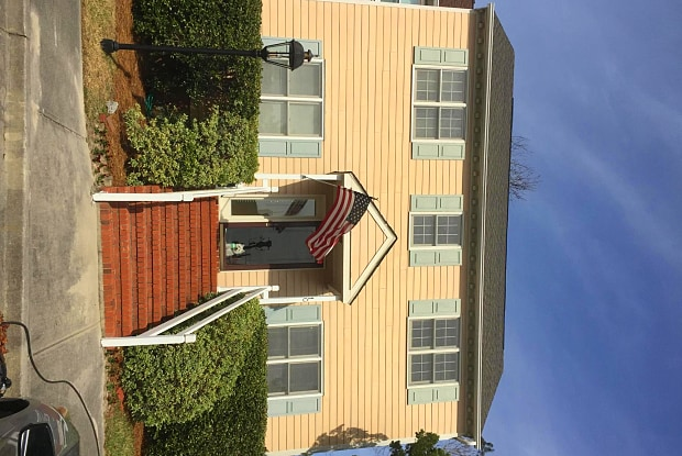 10 Saint Marys Place - 10 Saint Marys Pl, Wilmington, NC 28403