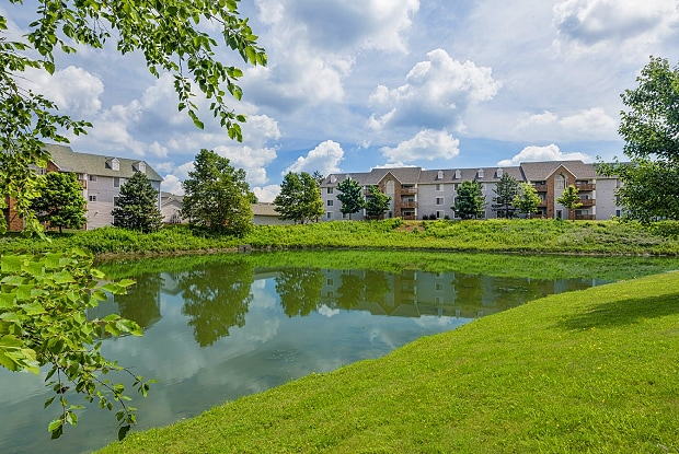 Hunters Hollow - 16323 Chatman Dr, Strongsville, OH 44149