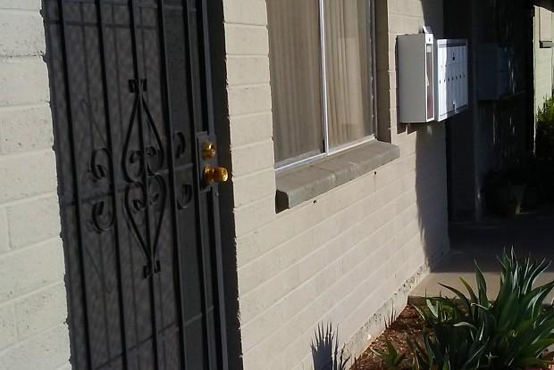 Turney Apartments - 2025 E Turney Ave, Phoenix, AZ 85016