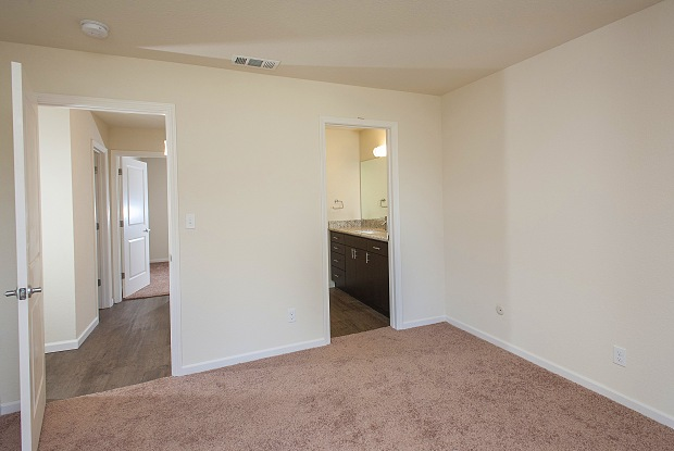 Oakwood Apartments - 7620 N El Dorado St, Stockton, CA 95207