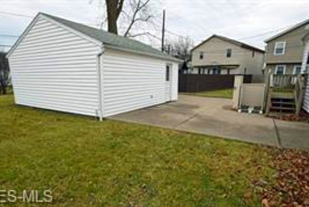 4127 Lowden Rd - 4127 Lowden Rd, South Euclid, OH 44121