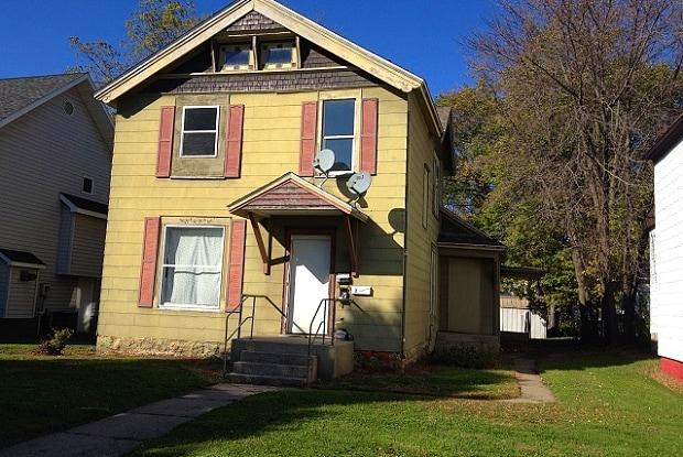 823 4th Ave NE - #2 - 823 4th Avenue Northeast, Austin, MN 55912