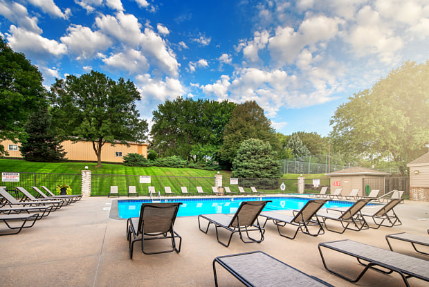 Highpointe by Broadmoor - 4607 Old Cheney Rd, Lincoln, NE 68516
