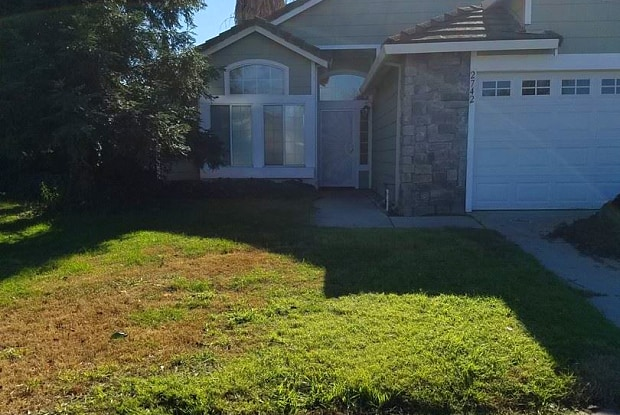 2742 WIllow Spring Court - 2742 Willow Spring Court, Riverbank, CA 95367