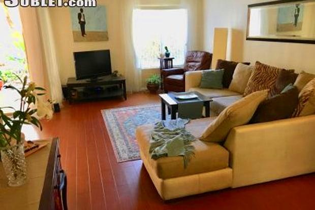 4600 Lamont St - 4600 Lamont Street, San Diego, CA 92109