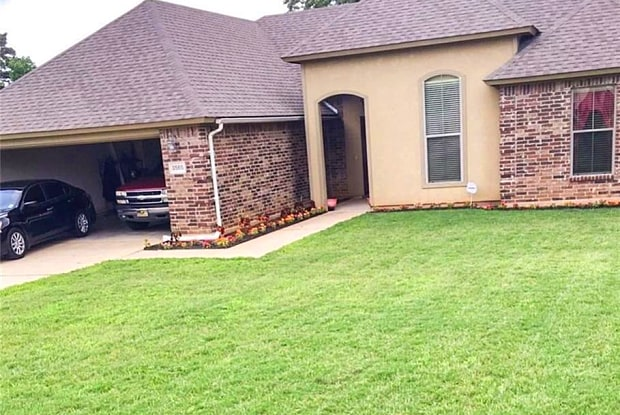 3565 Lakeside Dr - 3565 Lakeside Drive, Shreveport, LA 71119