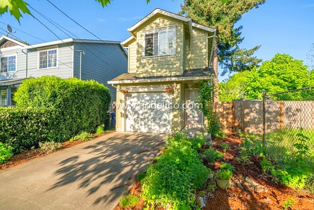 8832 North Endicott Avenue - 8832 North Endicott Avenue, Portland, OR 97217